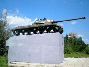 tank-na-zelenom